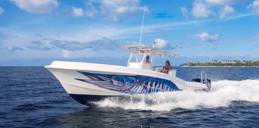 Cayman Turtle Divers | Private Charters